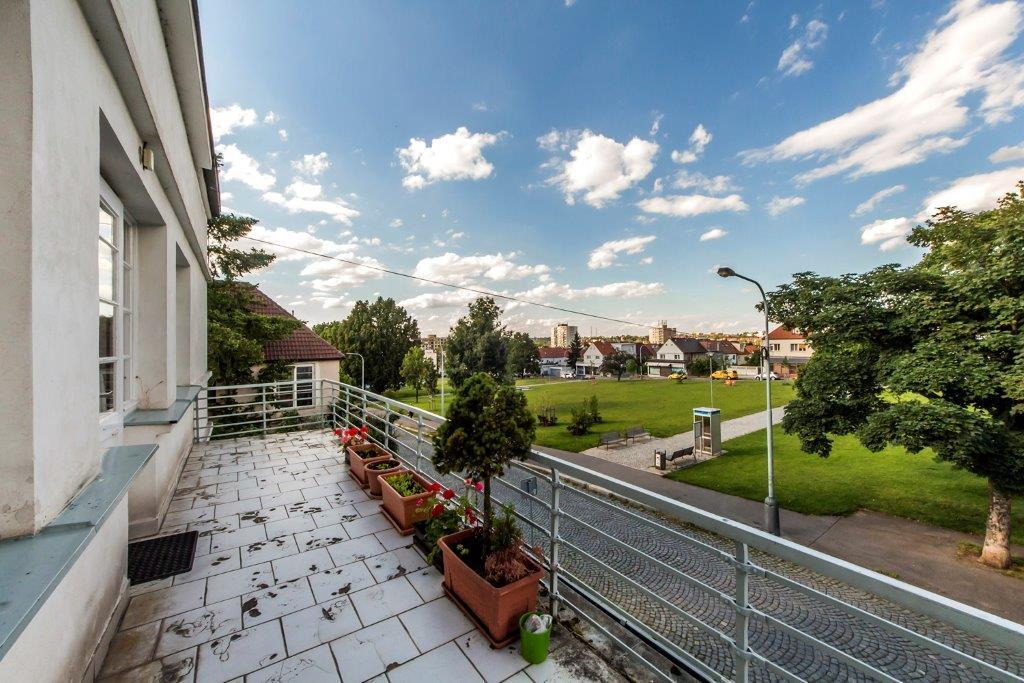 ...a kávu si s námi můžete vypít na našem balkonku s krásným výhledem....