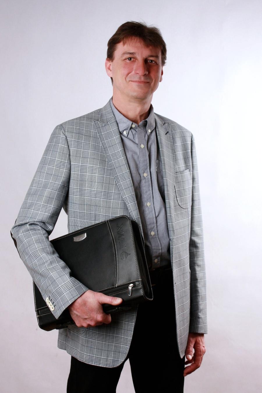 Jaroslav Pýcha - Realitní makléř