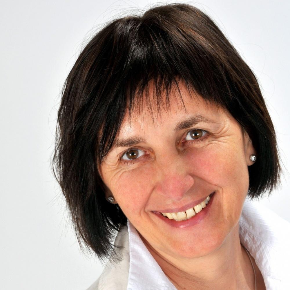 Irena Danihelková - RE/MAX Well
