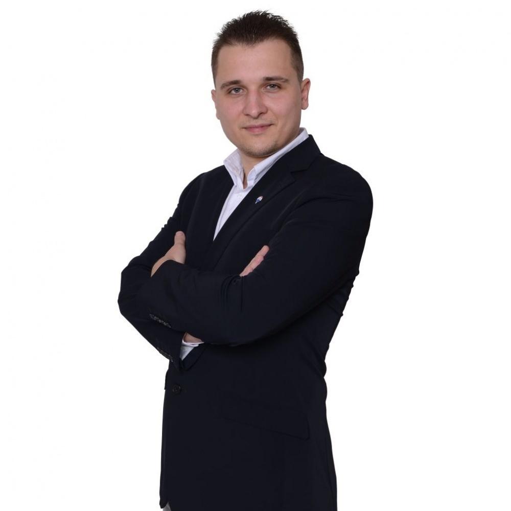 Samuel Azarel - RE/MAX Dynamic