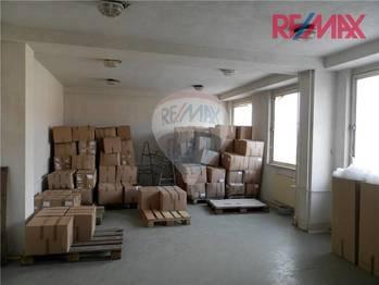 Pronájem skladovacích prostor 1000 m², Slapy
