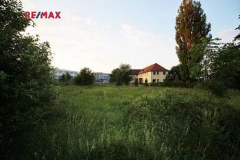 Prodej pozemku 2444 m², Liberec