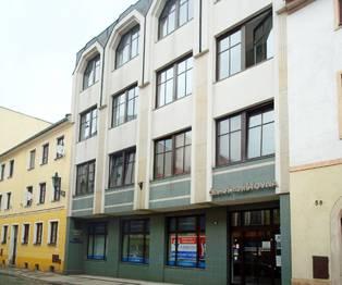 Pohled na budovu - Pronájem kancelářských prostor 124 m², Broumov