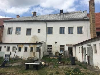 Prodej domu 458 m², Město Touškov