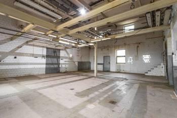 Prodej komerčního objektu 1721 m², Broumov