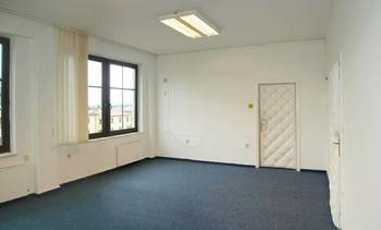 Vhled do kanceláře - Pronájem kancelářských prostor 28 m², Broumov