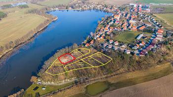 Prodej pozemku 2398 m², Holany