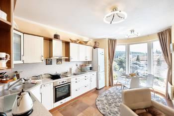 Kuchyně s jídelnou - Prodej domu 251 m², Římov