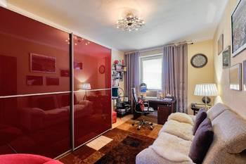 Pracovna - Prodej domu 251 m², Římov