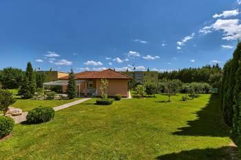 Pohled na wellness objekt - Prodej domu 251 m², Římov