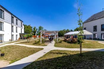 Zahrada domova - Pronájem bytu 1+kk v osobním vlastnictví 52 m², Praha 5 - Slivenec