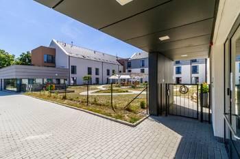 Vstup - Pronájem bytu 1+kk v osobním vlastnictví 52 m², Praha 5 - Slivenec