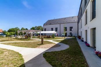Zahrada domova - Pronájem bytu 2+kk v osobním vlastnictví 52 m², Praha 5 - Slivenec
