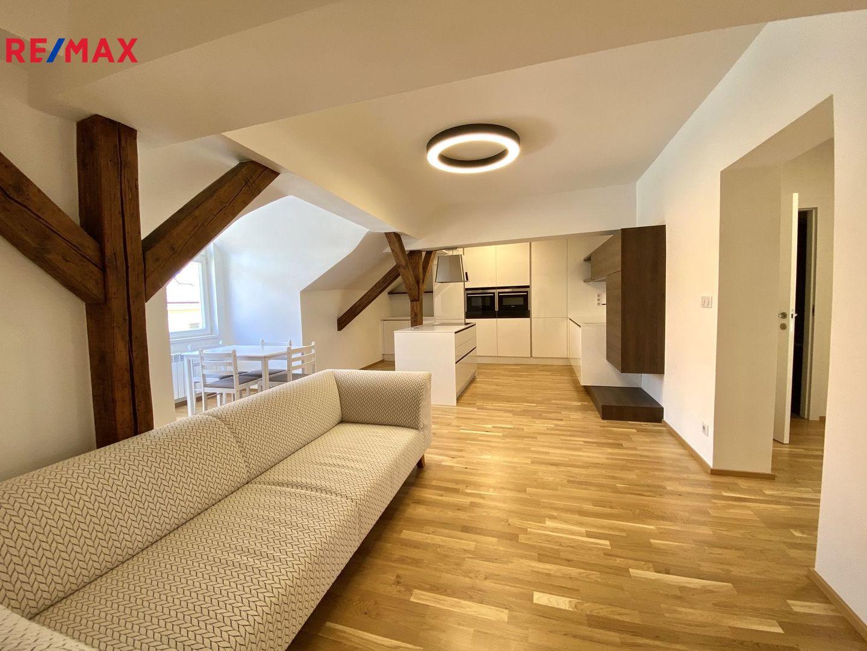 Prodej bytu 3+1 v osobním vlastnictví 92 m², Praha 2 - Vinohrady