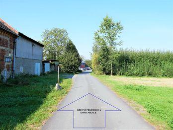 Prodej pozemku 3268 m², Dolany