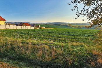 Pohled na pozemek - Prodej pozemku 10600 m², Čermná
