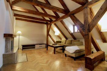 Prodej bytu 4+1 v osobním vlastnictví 110 m², Praha 1 - Malá Strana