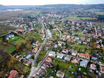 Prodej pozemku 2130 m², Praha 5 - Lipence