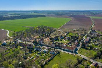 výškový pohled - Prodej pozemku 17080 m², Chomutice