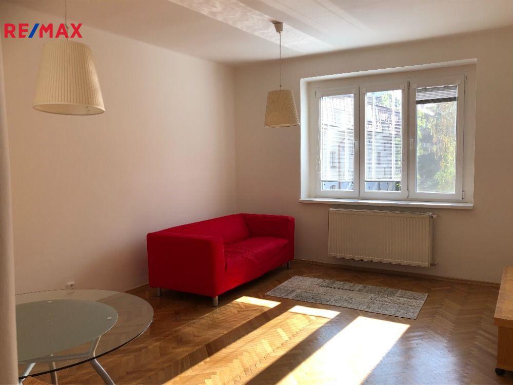 Prodej bytu 2+kk v osobním vlastnictví 56 m², Praha 6 - Vokovice