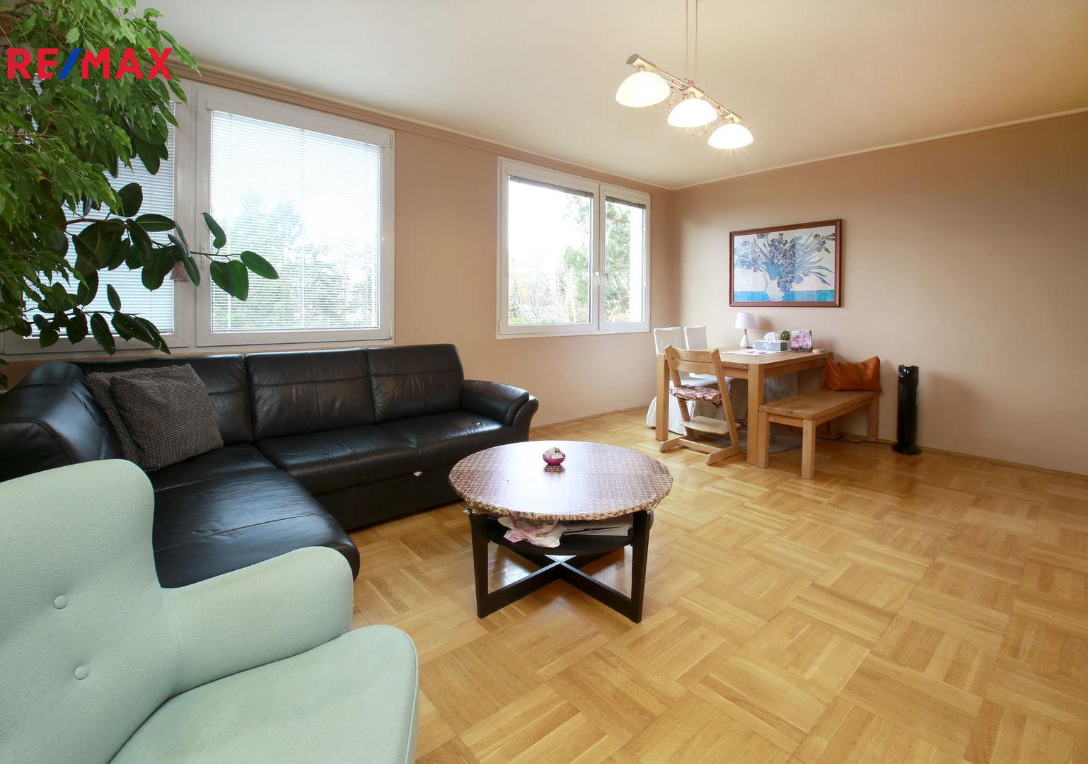 Prodej bytu 3+1 v osobním vlastnictví 80 m², Praha 8 - Troja