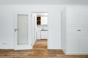 Pronájem bytu 2+kk v osobním vlastnictví 38 m², Praha 6 - Břevnov
