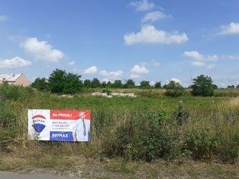 Prodej pozemku 10226 m², Český Brod