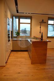 kuchyně s vestavěnými spotřebiči Siemens - Pronájem bytu 2+kk v osobním vlastnictví 62 m², Prostějov