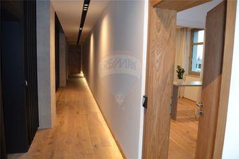 vstupní chodba - Pronájem bytu 1+1 v osobním vlastnictví 31 m², Prostějov