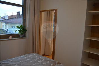 ložnice - Pronájem bytu 1+1 v osobním vlastnictví 31 m², Prostějov