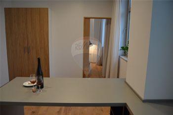 kuchyně a obytný prostor - Pronájem bytu 1+1 v osobním vlastnictví 31 m², Prostějov