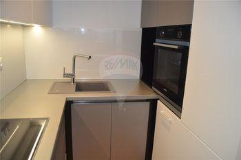 kuchyně s vestavěnými spotřebiči Siemens - Pronájem bytu 2+kk v osobním vlastnictví 47 m², Prostějov