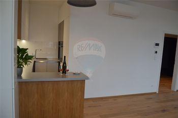 kuchyně a obytný prostor - Pronájem bytu 2+kk v osobním vlastnictví 47 m², Prostějov