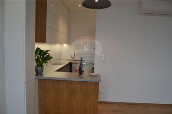 kuchyně - Pronájem bytu 2+kk v osobním vlastnictví 47 m², Prostějov