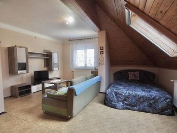 Pronájem bytu 1+kk v osobním vlastnictví 46 m², Senohraby