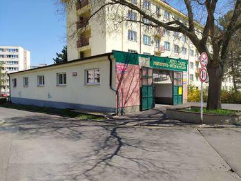 Prodej obchodních prostor 808 m², Praha 4 - Michle