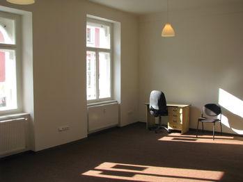 Pronájem obchodních prostor 25 m², Dobříš