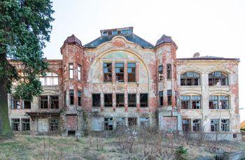Hlavní budova - Prodej historického objektu 6622 m², Kamenický Šenov