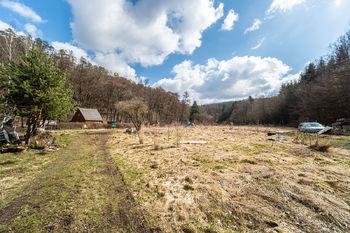 Prodej pozemku 5569 m², Velvary