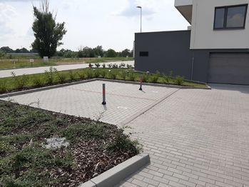 Pronájem garážového stání 33 m², Slavkov u Brna