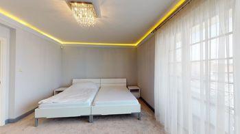 Prodej domu 300 m², Jesenice