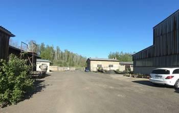Vjezd do areálu (2další možnosti) - Pronájem komerčního objektu 400 m², Světec
