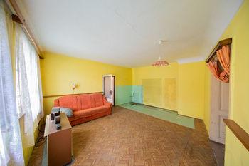 Prodej domu 300 m², Loštice