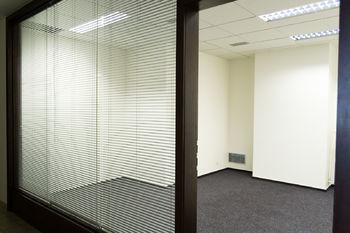 Pronájem kancelářských prostor 293 m², Praha 9 - Hloubětín