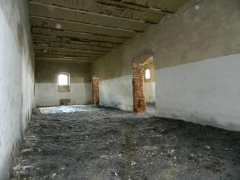 Budovaná jízdárna. - Prodej komerčního objektu 5000 m², Krásná