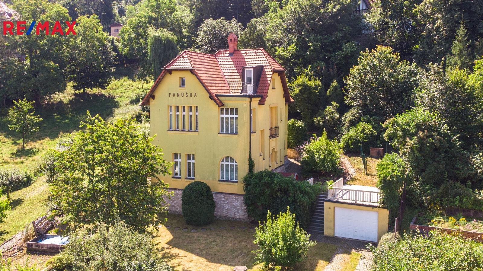 Prodej domu 240 m², Všenory
