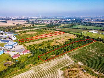 Prodej pozemku 17008 m² (ID 114-NP07677)