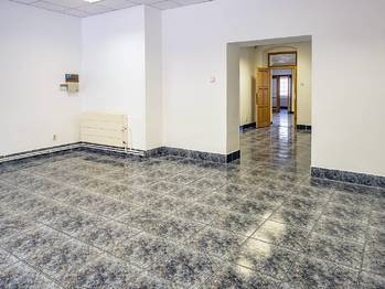 komerční prostory v I.NP - Pronájem komerčního objektu 649 m², Česká Lípa
