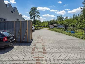 parkoviště ve dvoře - Pronájem komerčního objektu 649 m², Česká Lípa