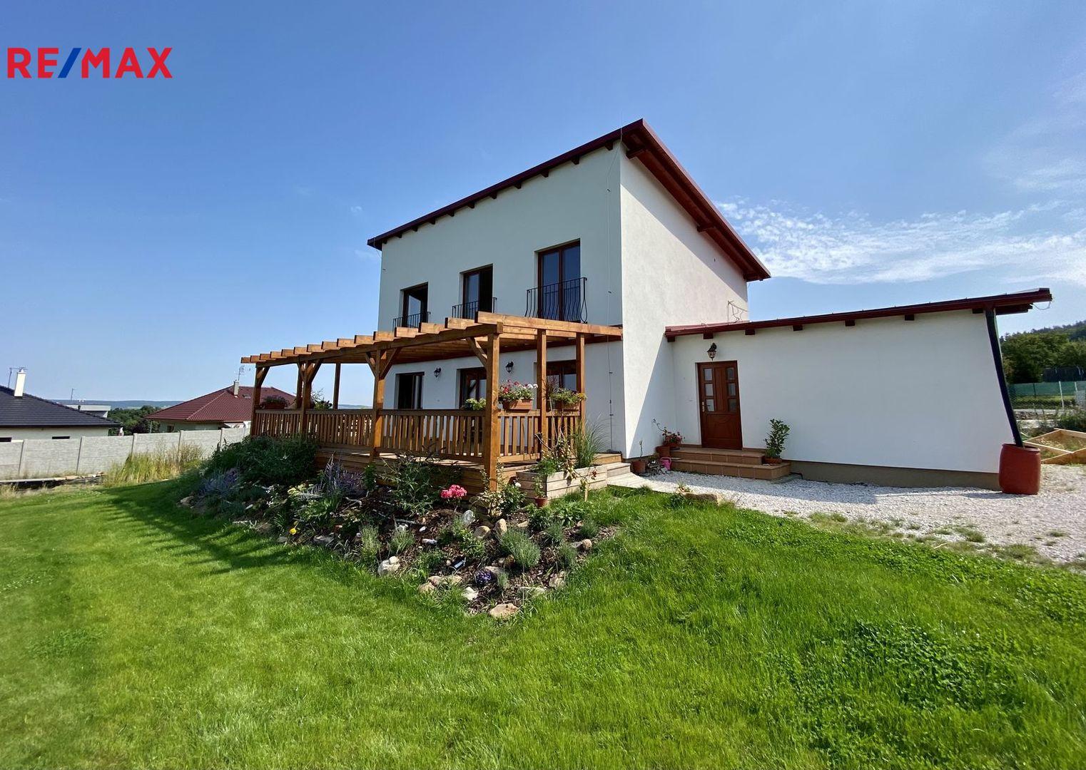 Prodej domu 210 m², Svinaře